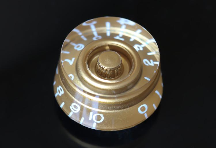 Volume knob closeup