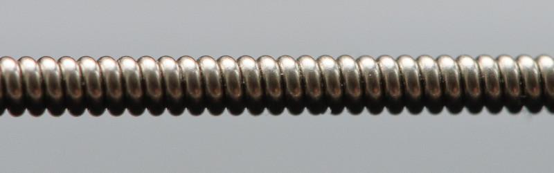 E-string extreme closeup